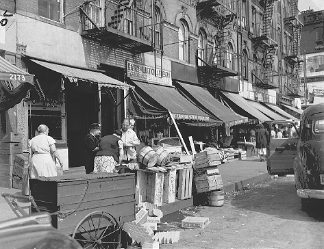 1st Avenue between 112th and 113th Streets in East Harlem, September 7, 1951. 